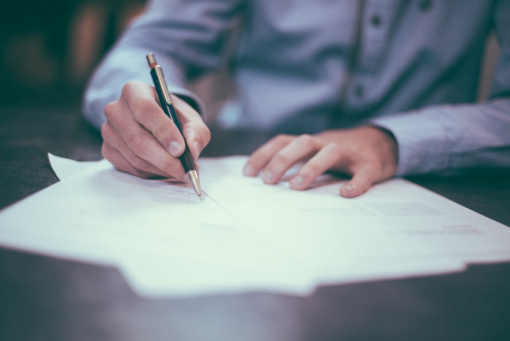 Bureaucratie Betekenis, Voorbeelden & 3 Essentiële Tips