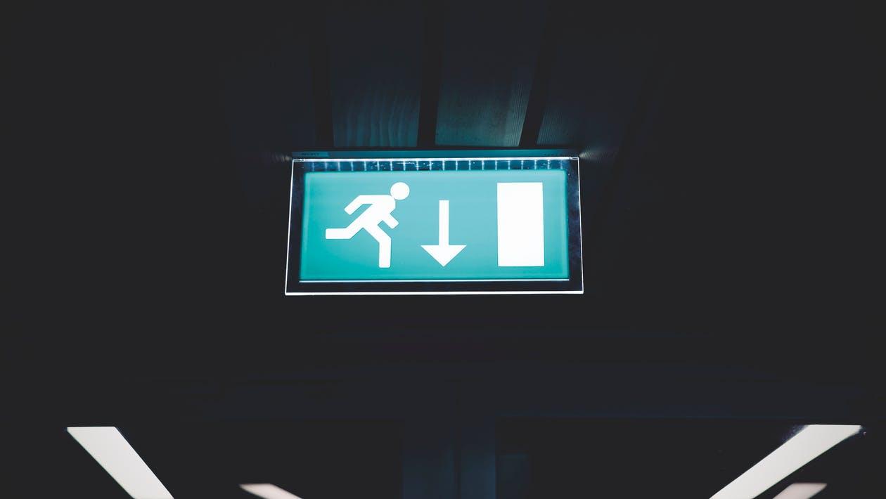 Uitstelgedrag Aanpakken: 6 Drastische Adviezen [+4 Tips] [Escapisme]