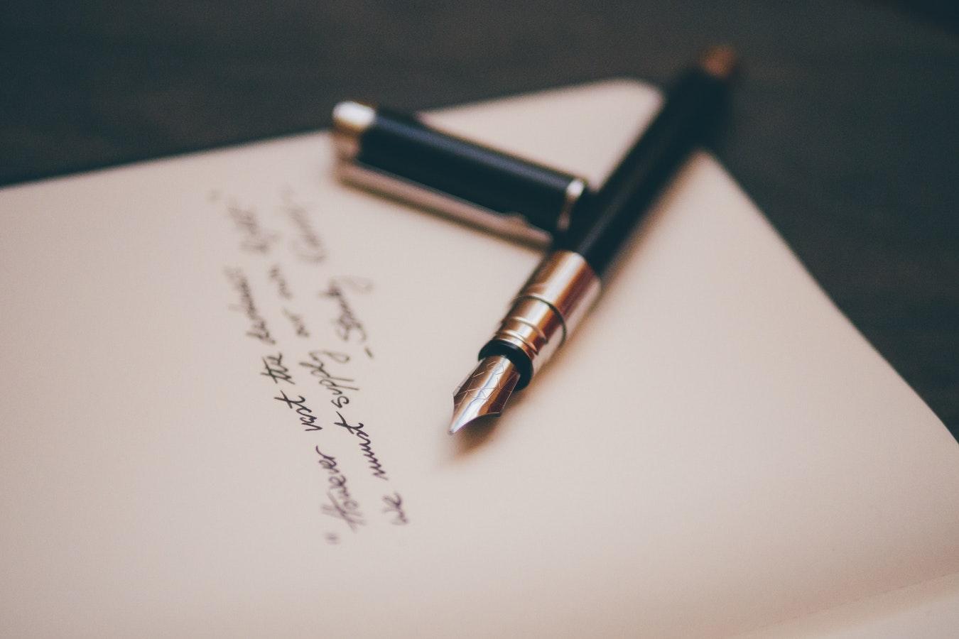 Top 10 Beste Nederlandse Dichtbundels & Dichters [Update 2020]
