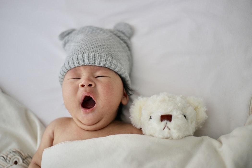 baby laten slapen zonder huilen