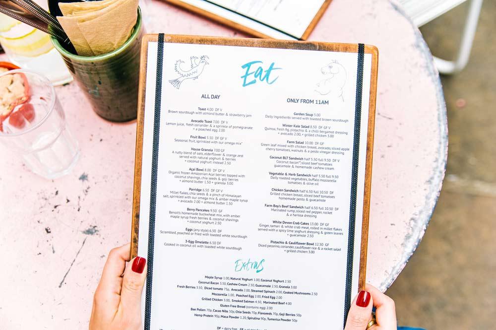 keuzes-maken-in-restaurant