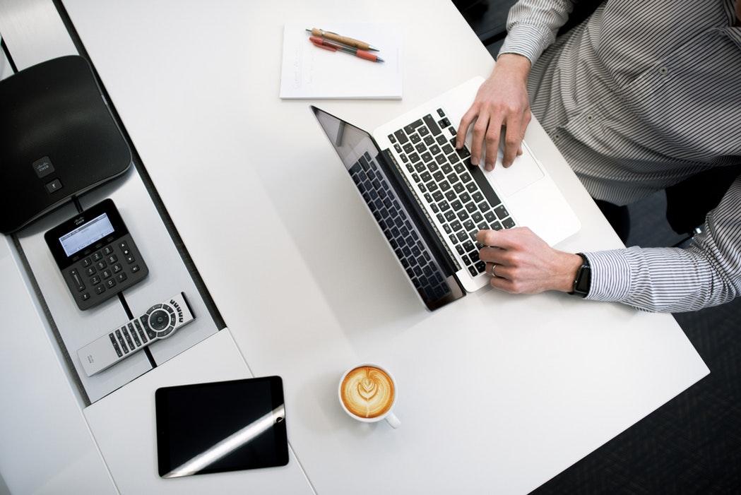 Beginnen Met Affiliate Marketing [Geld Verdienen] [Tips & Stappenplan]