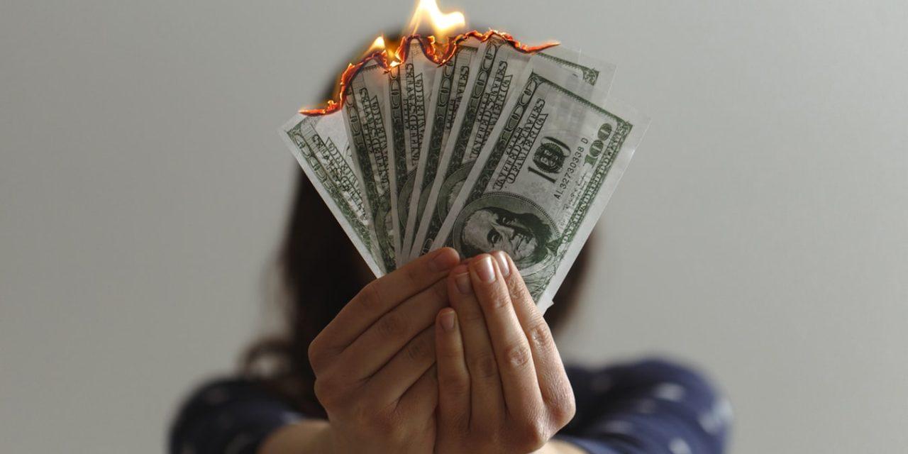 'Geld Maakt Niet Gelukkig' Argumenten Voor & Tegen [Schokkend]