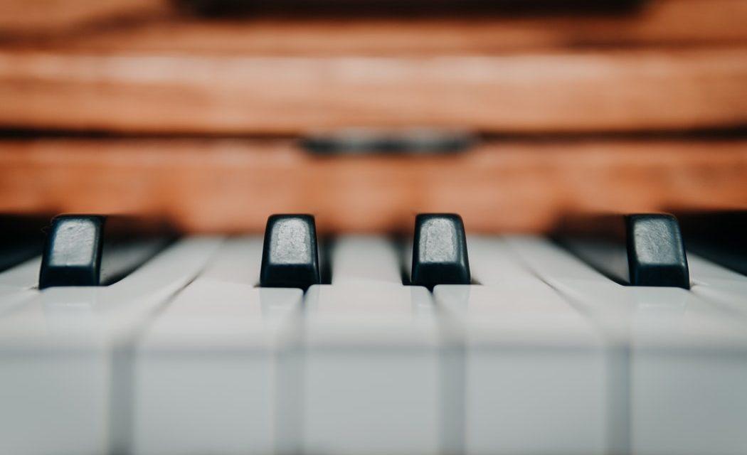 Beste Online Pianocursus: #1 Keuzes [Zelfstudie Piano Spelen]