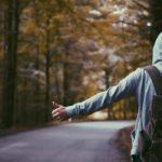 'Ik Hoor Nergens Bij' & Jezelf Buitengesloten Voelen [6 Tips]