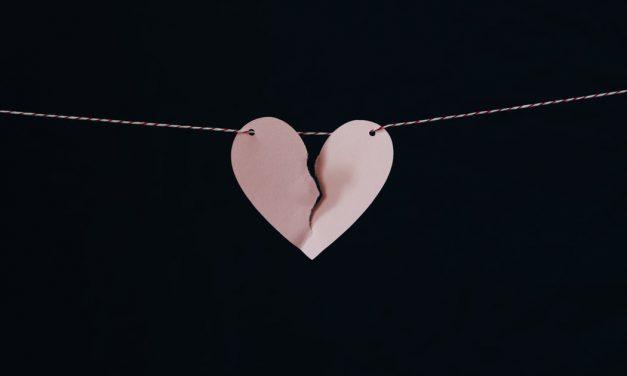 Het Gebroken-Hart-Syndroom: Betekenis & Uitleg